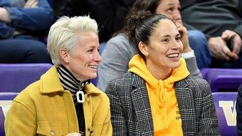Sue Bird, Megan Rapinoe attempt to dial up support for Democrats before Election Day