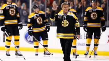 NHL legend Bobby Orr on supporting Trump: 'That's the kind of teammate I want'
