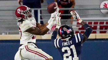 NFL stars advise Alabama's Jaylen Waddle to remove himself from national title game