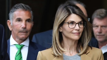 Lori Loughlin begins her 2-month prison sentence for role in college admissions scandal