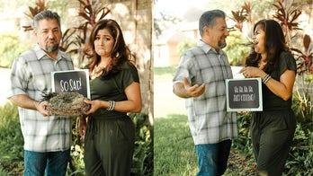 Texas couple's empty-nest photo shoot charms Facebook: 'Expecting zero kids'