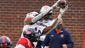 Nix finds Williams for game winner as Auburn tops Ole Miss