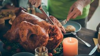 Most Americans won't visit relatives during 2020 holiday season, survey says