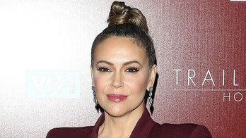 Alyssa Milano says voters will choose between 'America or Trump' in 2020 election: 'You can't love both'