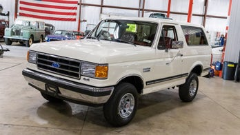 White 1991 Ford Bronco with 29 miles and a heartbreaking history auctioned for $90G