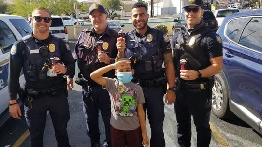 Arizona boy shares candy with police officers as show of appreciation