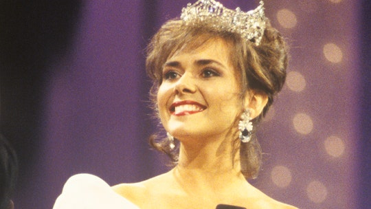 Former Miss America Leanza Cornett's pal says 'we all believed she would beat this' before tragic death