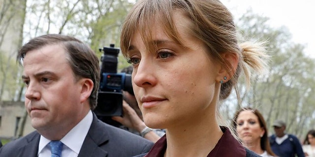 India Oxenberg claimed 'Smallville' star Allison Mack briefly doubted her role in NXIVM in 2018.