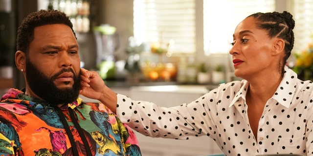 Anthony Anderson and Tracee Ellis Ross in 'black-ish.' (Ali Goldstein via Getty Images)