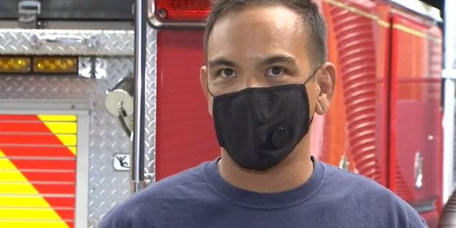 Il vigile del fuoco di Richmond Manuel Gali ha detto che era la prima volta che rispondeva a una chiamata per una donna in procinto di partorire, ma era pronto.