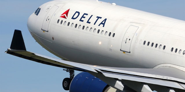 Delta Air Lines announced on Wednesday that it will continue blocking middle seats on flights through the March 30, 2021. (iStock)