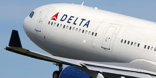 Delta Air Lines CEO Ed Bastian said Thursday that the airline has 460 people on its no-fly list because they didn't comply with Delta's mask policy. (iStock)