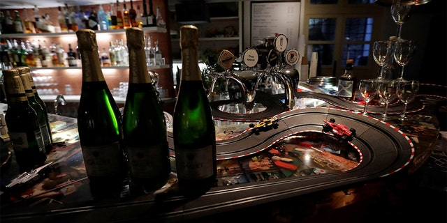 The Czech government shut all restaurants for two weeks to slow down the spread of the coronavirus disease. (REUTERS/David W Cerny)