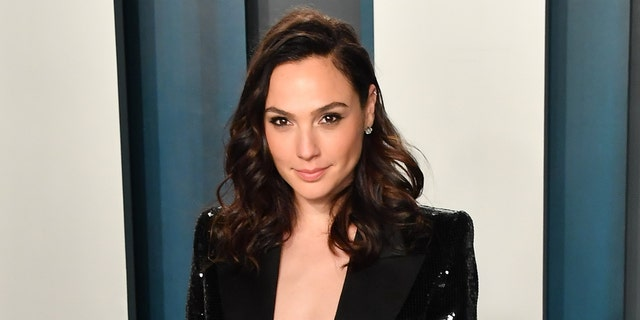 Gal Gadot organized a video featuring celebrities singing John Lennon's
