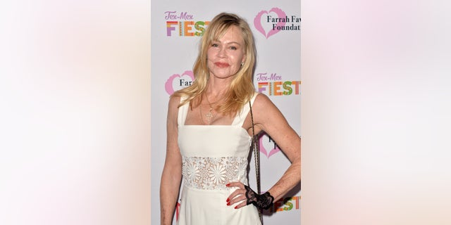 Melanie Griffith had two battles with cancer -- once in 2009 再来一次 2017.