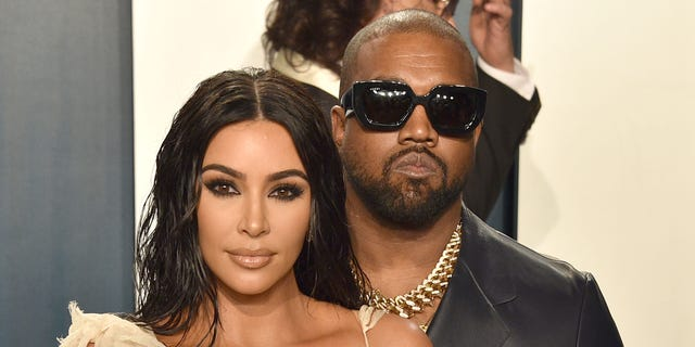 Kanye West gifted wife Kim Kardashian a hologram of her late father, Robert Kardashian, for her 40th birthday. (Foto di David Crotty / Patrick McMullan tramite Getty Images)