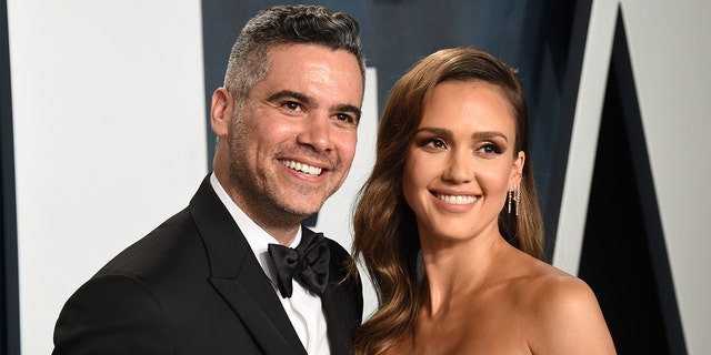 Cash Warren and Jessica Alba attend the 2020 Vanity Fair Oscar Party at Wallis Annenberg Center for the Performing Arts on February 9, 2020, in Beverly Hills, Calif. (John Shearer/Getty Images)