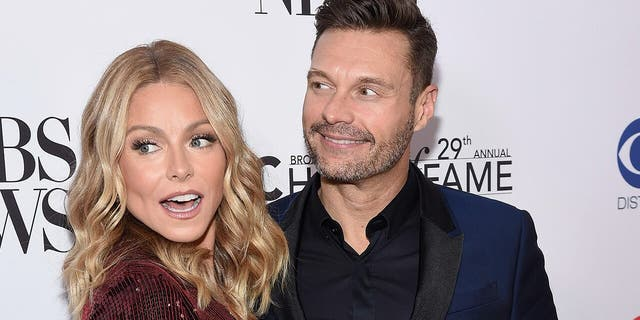 Kelly Ripa hosted 'Live' solo while co-host Ryan Seacrest waited for a COVID-19 test.