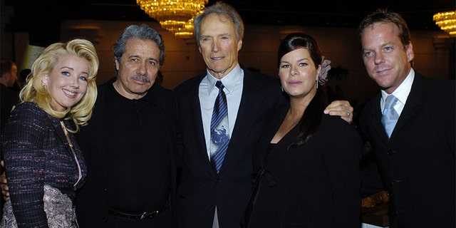 Melody Thomas Scott, Edward James Olmos, Clint Eastwood, Marcia Gay Harden e Kiefer Sutherland.