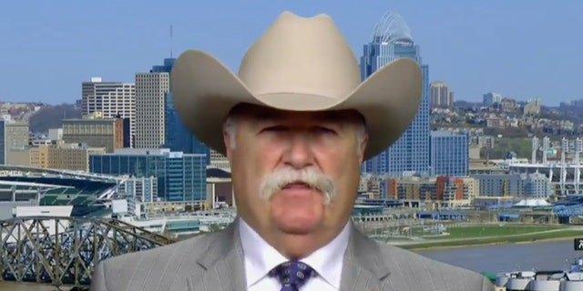 OH sheriff offers to help celebrities leave the US if Trump is reelected: 'I'll even help them pack'