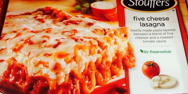哦, 对, and they sell lasagna too.
