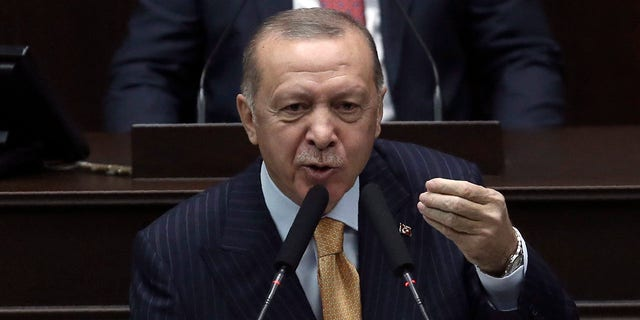 "Turkey's President Recep Tayyip Erdogan said he had not looked at the drawing and had nothing to say about the ""dishonorable"" publication. (美联社照片)"