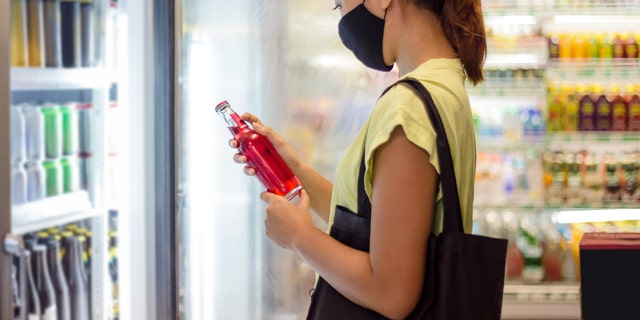 Artificially sweetened drinks may not be a healthier option after all, (iStock)
