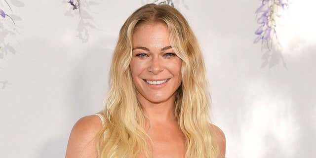LeAnn Rimes is changing the tide in the way psoriasis is openly discussed and made a huge step on Thursday when she shared her truth on World Psoriasis Day.