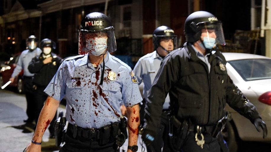 费城警察枪杀黑人引发骚乱