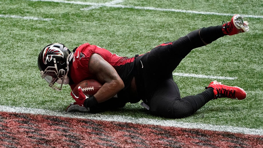Falcons' Matt Ryan specifically tells Todd Gurley to avoid touchdown in loss to Lions, video reveals