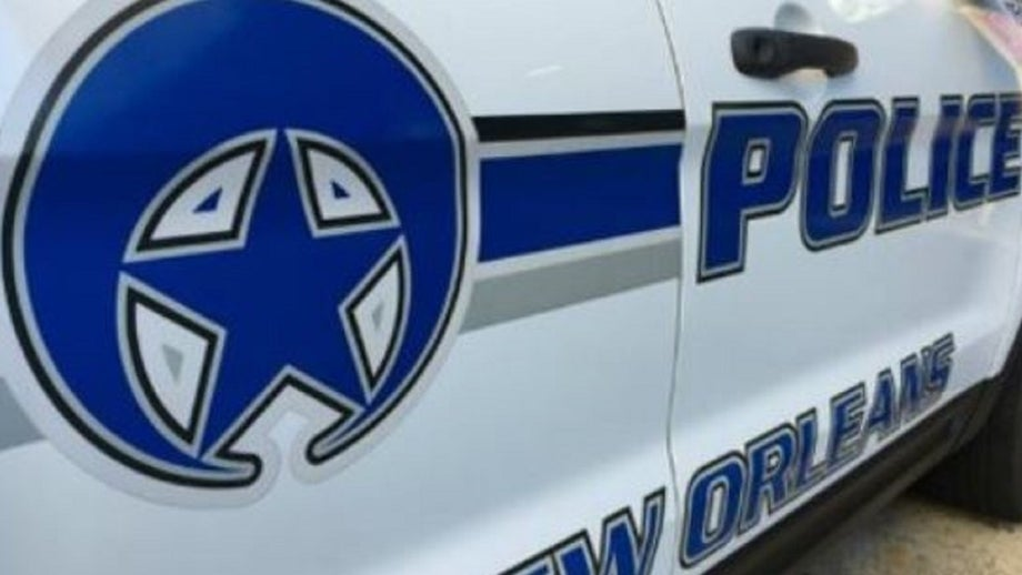 New Orleans police officers ambushed, 1 shot in French Quarter by pedicab passenger: Police