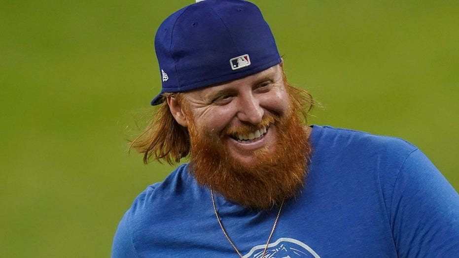 Dodgers' Justin Turner pulled from World Series game over positive coronavirus test