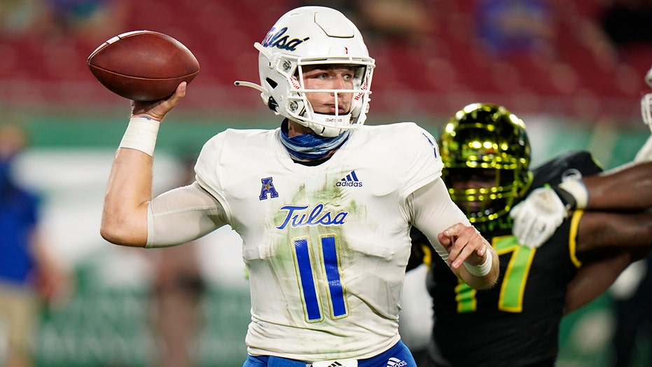 Tulsa capitalizes on 3 South Florida turnovers, wins 42-13