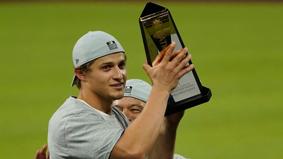 Dodgers' Seager NLCS MVP after 5 HRS, 11 RBIs against Braves