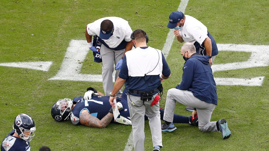 Titans' Taylor Lewan suffers torn ACL in win over Texans: 'Don't feel sorry for me'