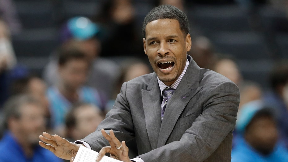 Fonti AP: Rockets hiring Stephen Silas to replace D'Antoni