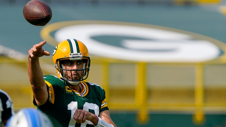 Packers' Aaron Rodgers explains trick that gets him to call his own plays