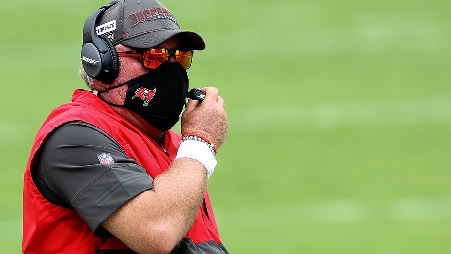 Buccaneers' Bruce Arians on possible penalties for yelling at refs without masks: 'We've got enough rules'