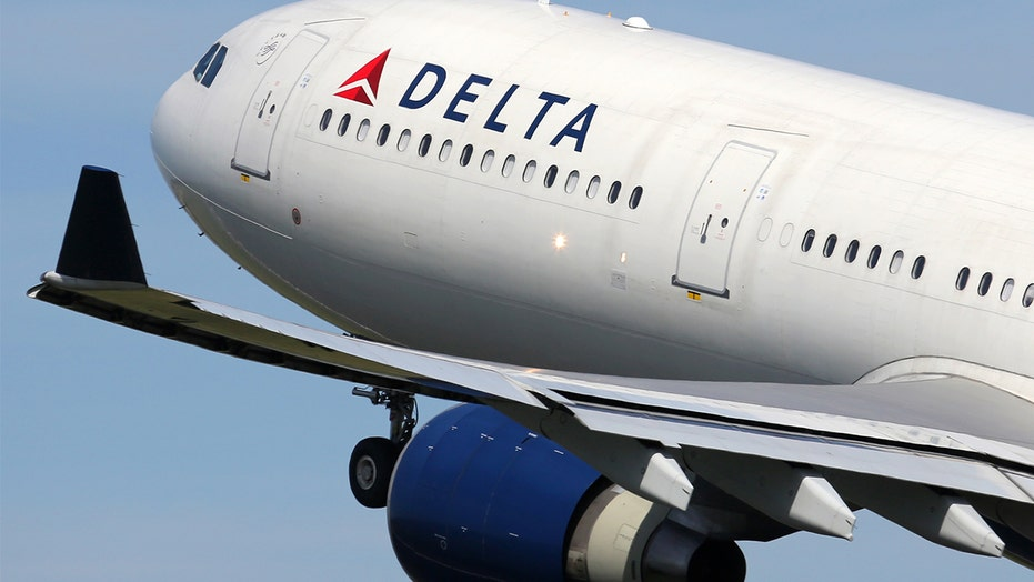 Police ID pastor accused of urinating on female Delta passenger: 'He peed on me!'