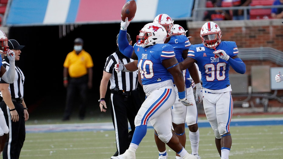 SMU student section booted from football game for failing to adhere to health safety measures: report