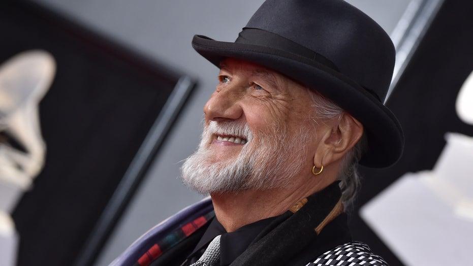 Mick Fleetwood recreates viral 'Dreams' TikTok video