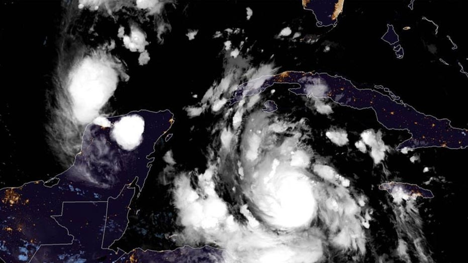 Hurricane Delta 'rapidly intensifies' to Category 2 storm, takes aim at Cancun before US Gulf Coast