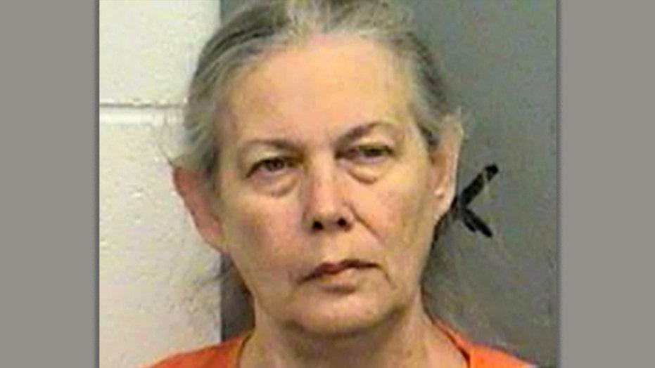 阿肯色州的祖母被指控谋杀在谋杀案中谋杀前女son