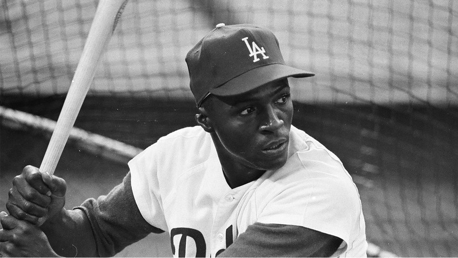 Lou Johnson, who played major role in Dodgers' 1965 World Series win, dies at 86