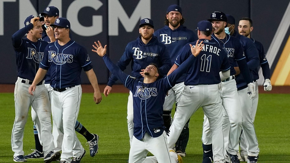 Rays win wild Game 4 on unbelievable final play to tie World Series