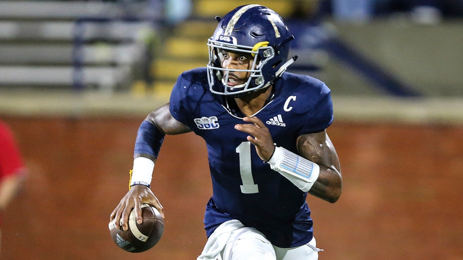 Kennedy runs for 2 TDs, Georgia Southern beats South Alabama