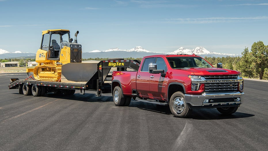 2021 Chevy Silverado 3500 claims towing crown, but there's a hitch