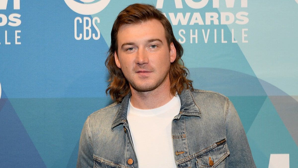 Morgan Wallen S Music Removed From Iheartradio Label Suspends Him Amid Racial Slur Scandal Fox News