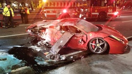 2 hurt after rented red Ferrari wipes out on Chicago expressway