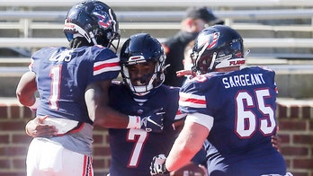Willis accounts for 5 TDs, No. 22 Liberty routs W Carolina
